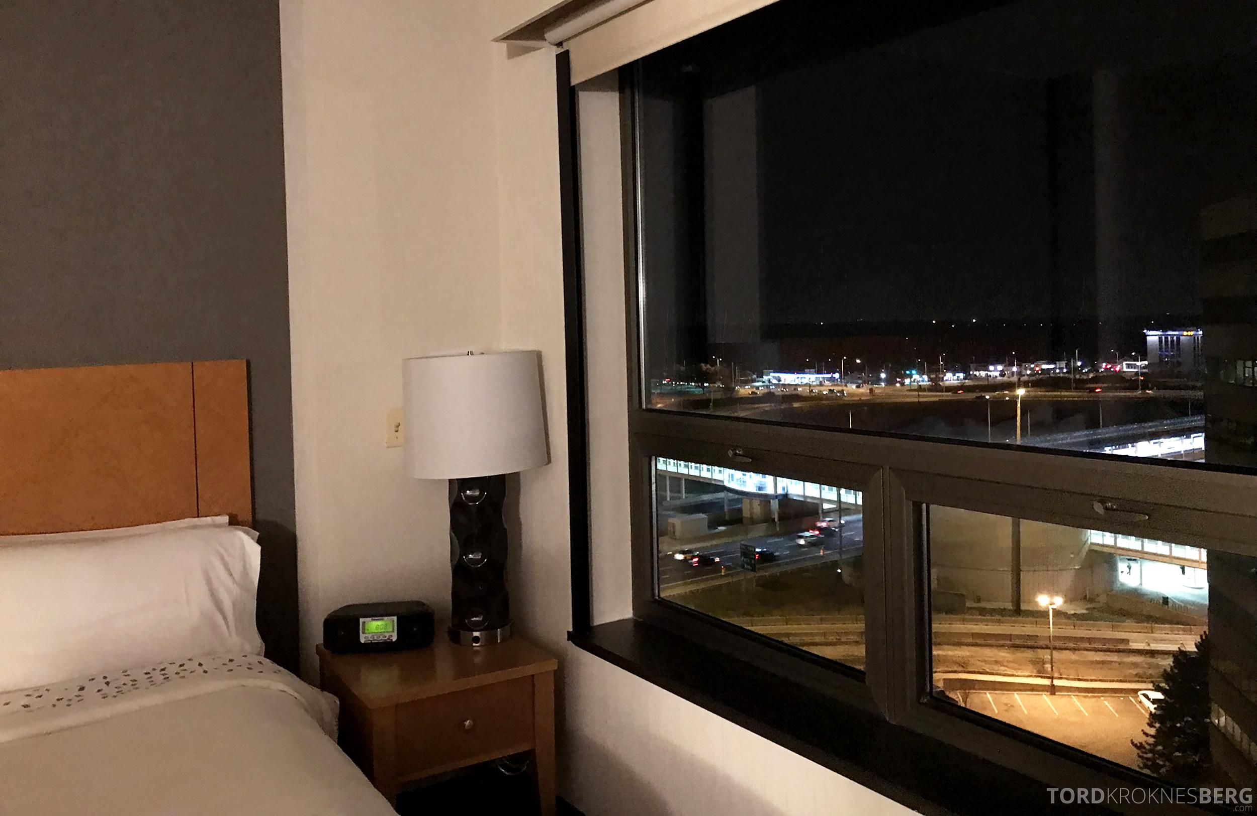 Renaissance Chicago O'Hare Hotel kveldsutsikt