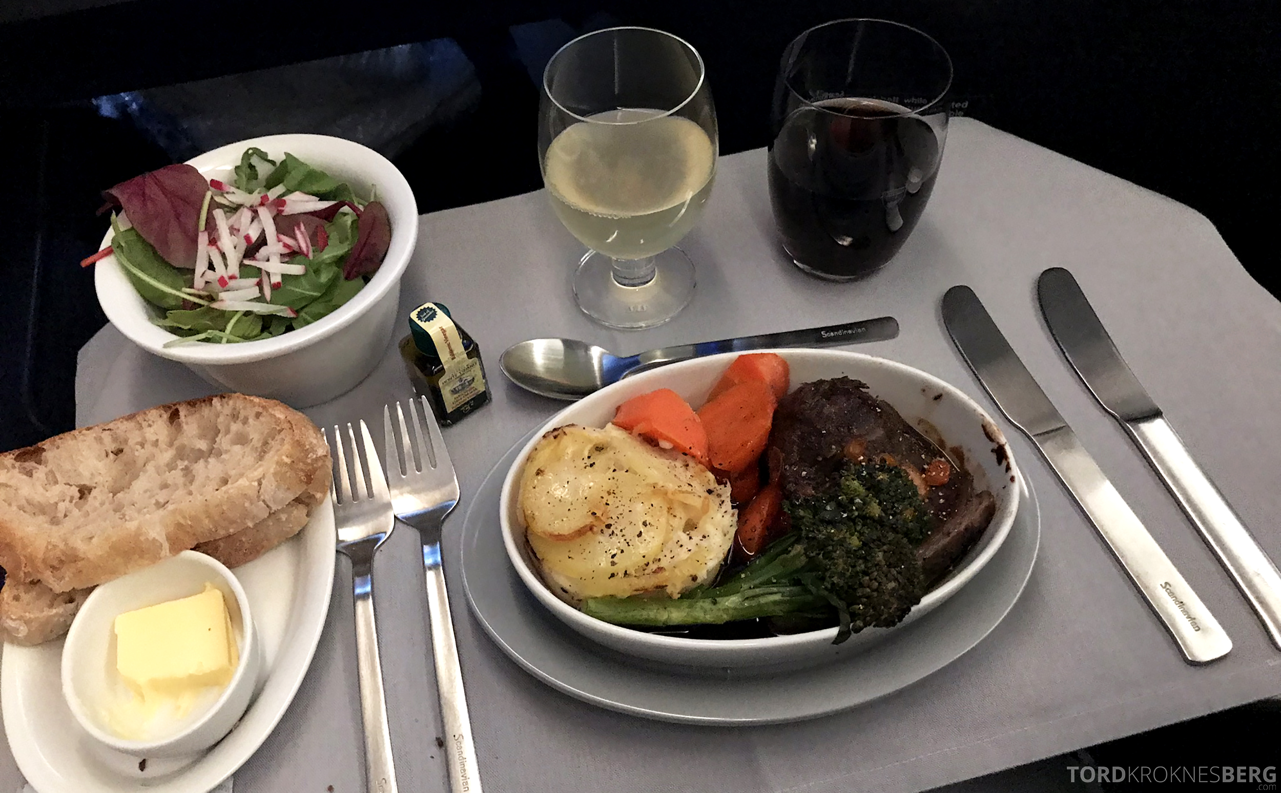 SAS Business Class Stockholm Chicago hovedrett svin
