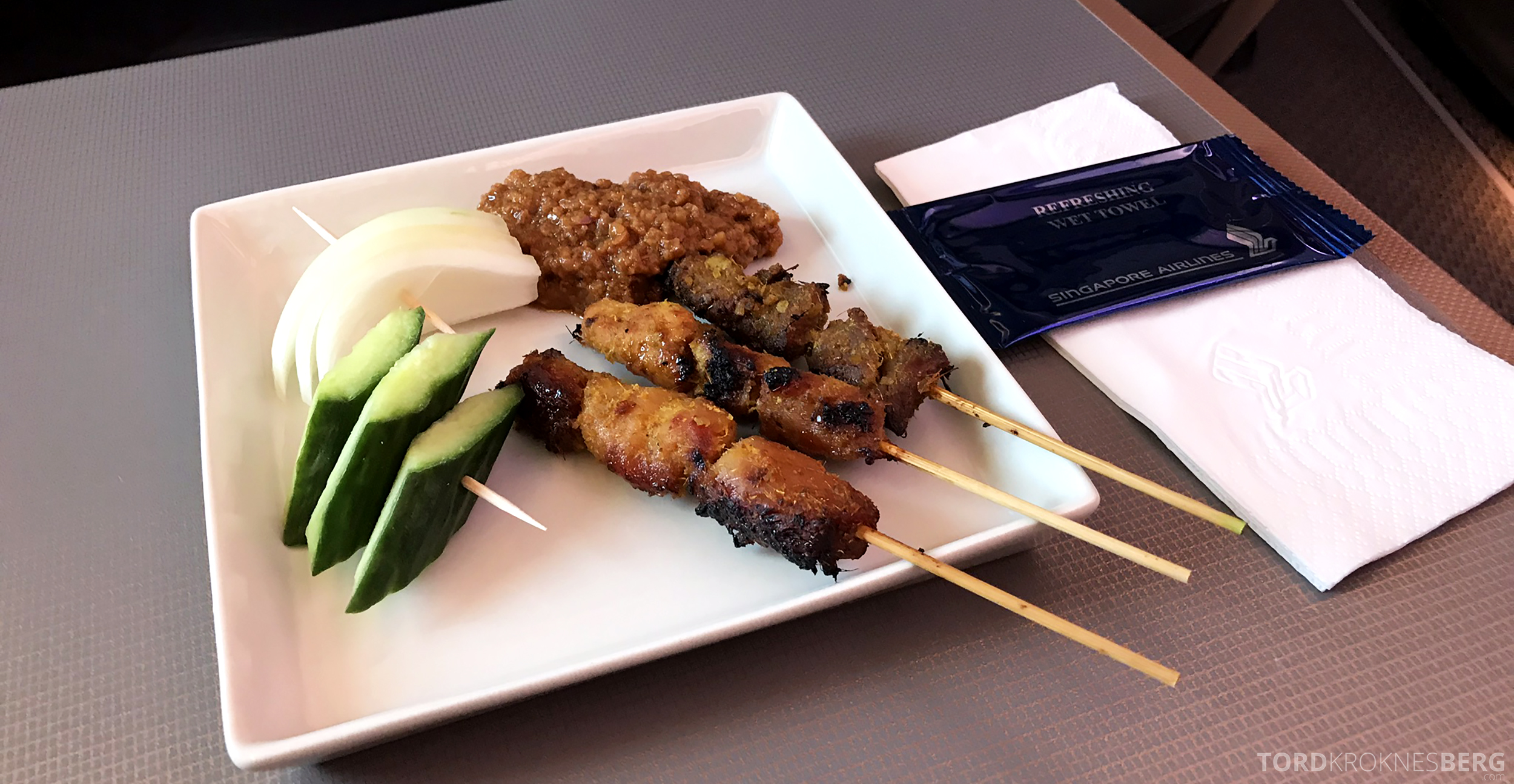 Singapore Airlines Business Class Amsterdam Singapore chicken satay