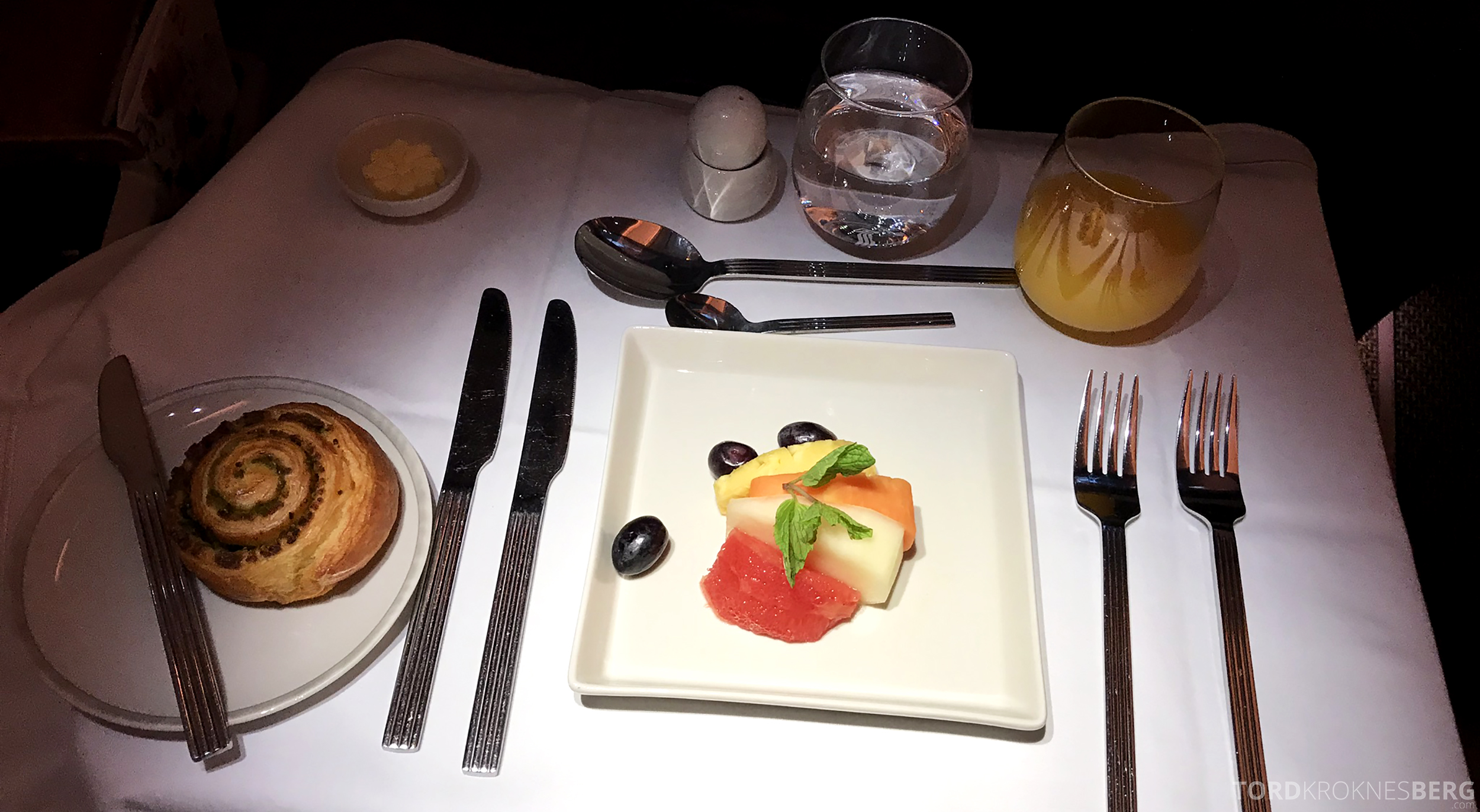 Singapore Airlines Business Class Singapore Amsterdam frokost