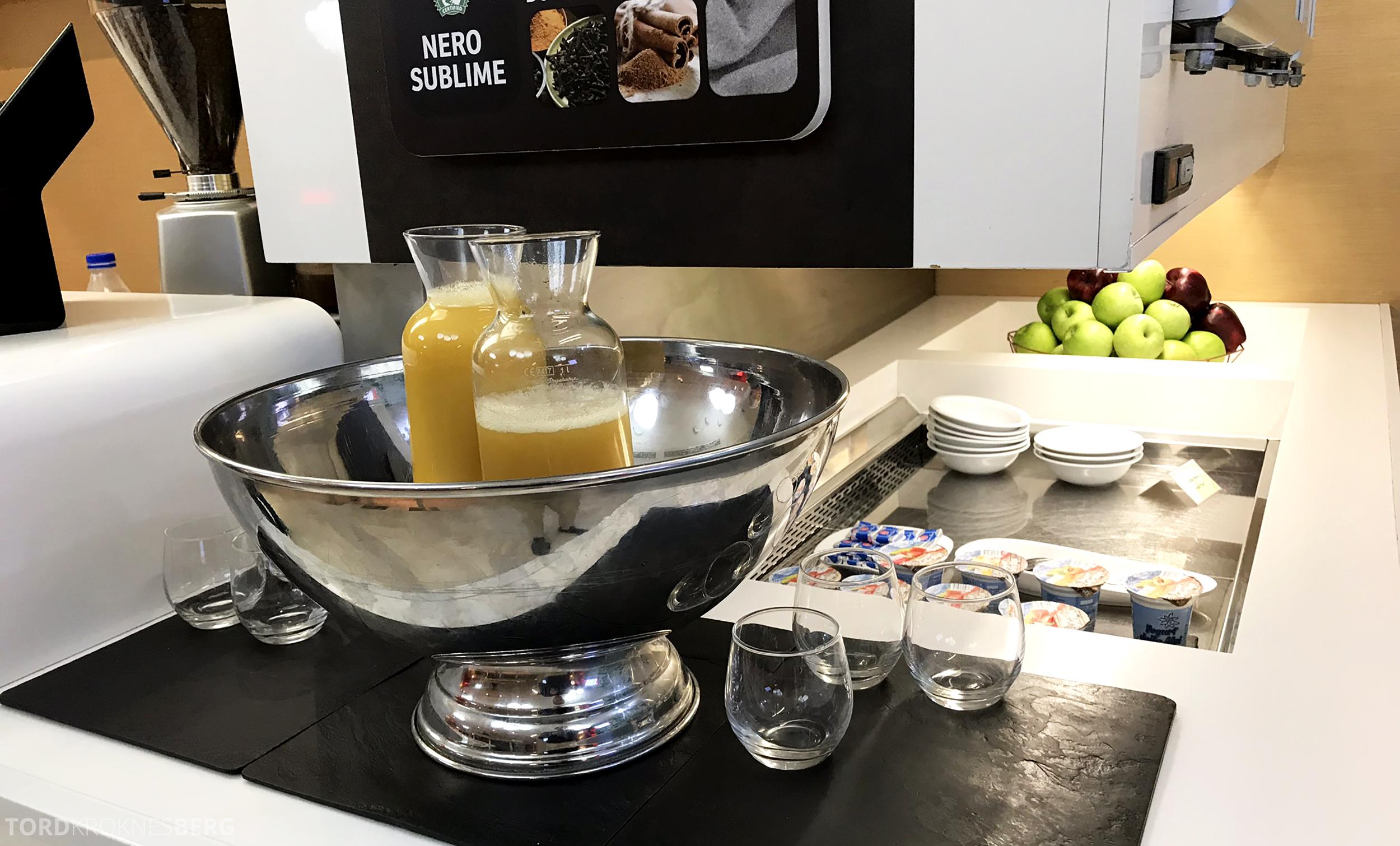 Alitalia Lounge Roma juice og yogurt
