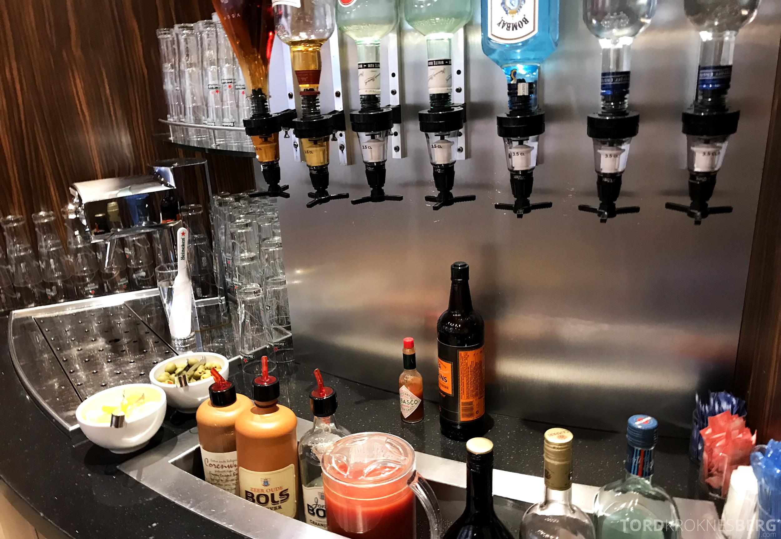 KLM Crown Lounge Schiphol Amsterdam selvskjenk bar