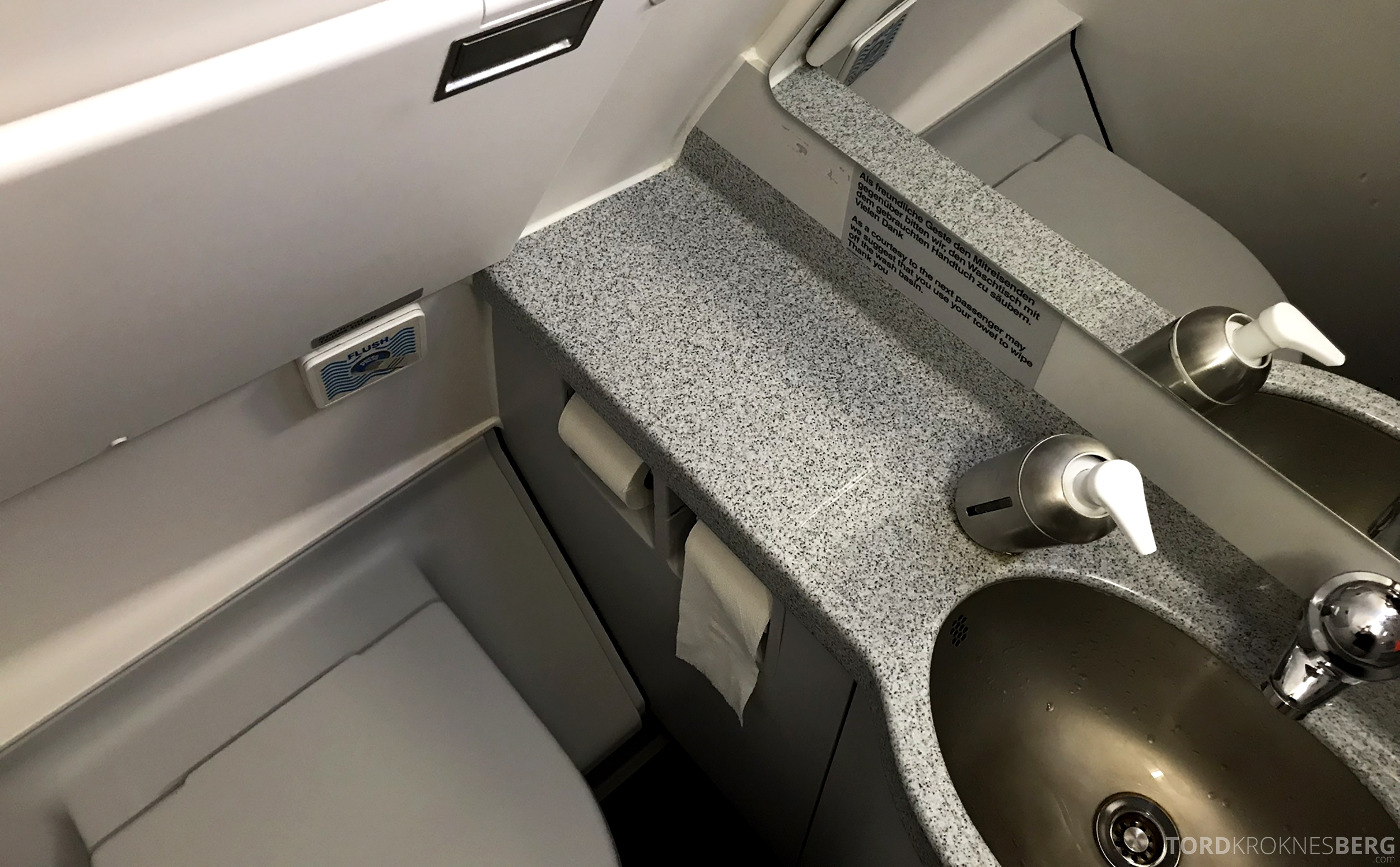 Lufthansa Business Class Rome Frankfurt Oslo toalett
