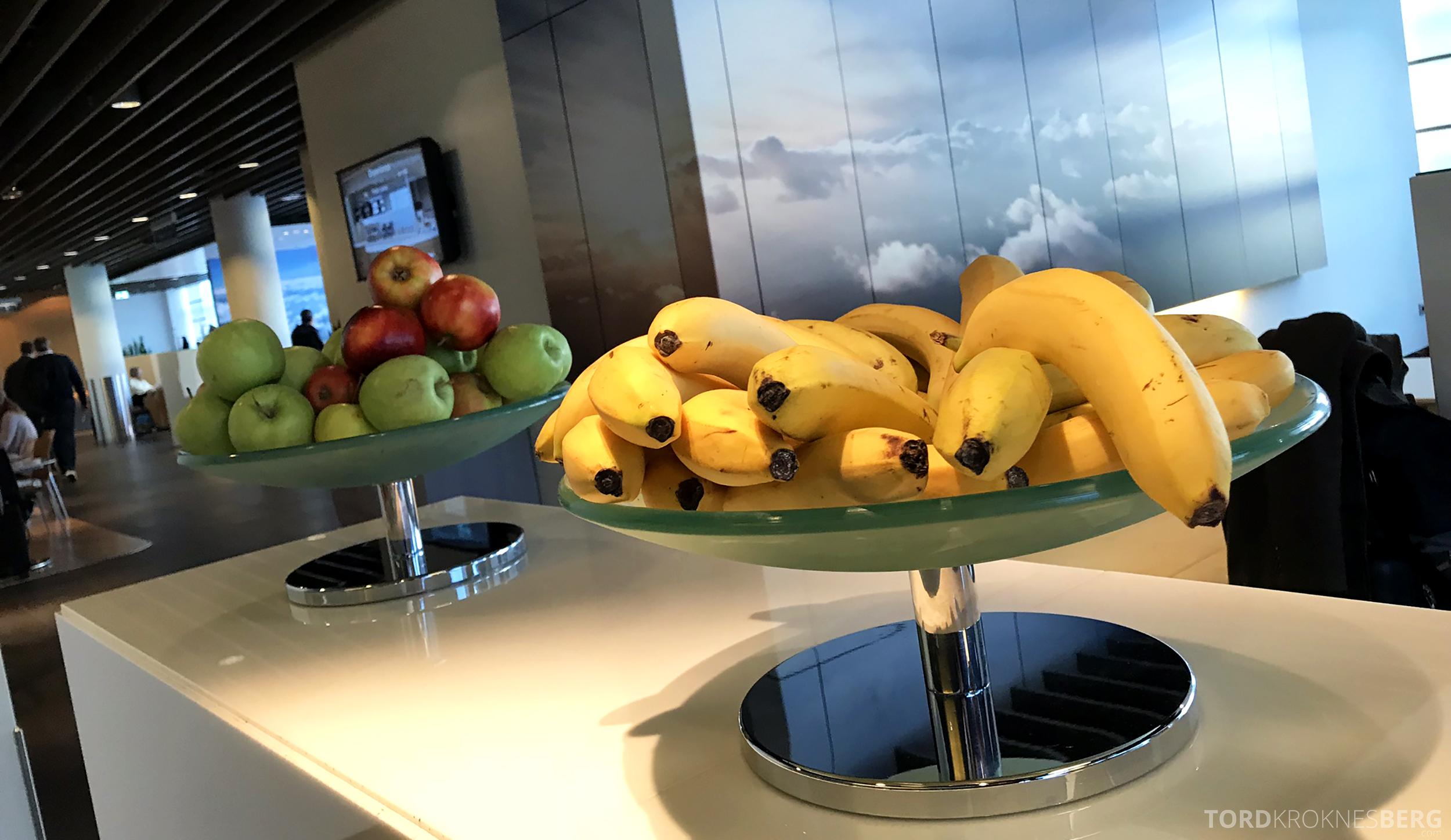 Lufthansa Business Lounge Frankfurt frukt