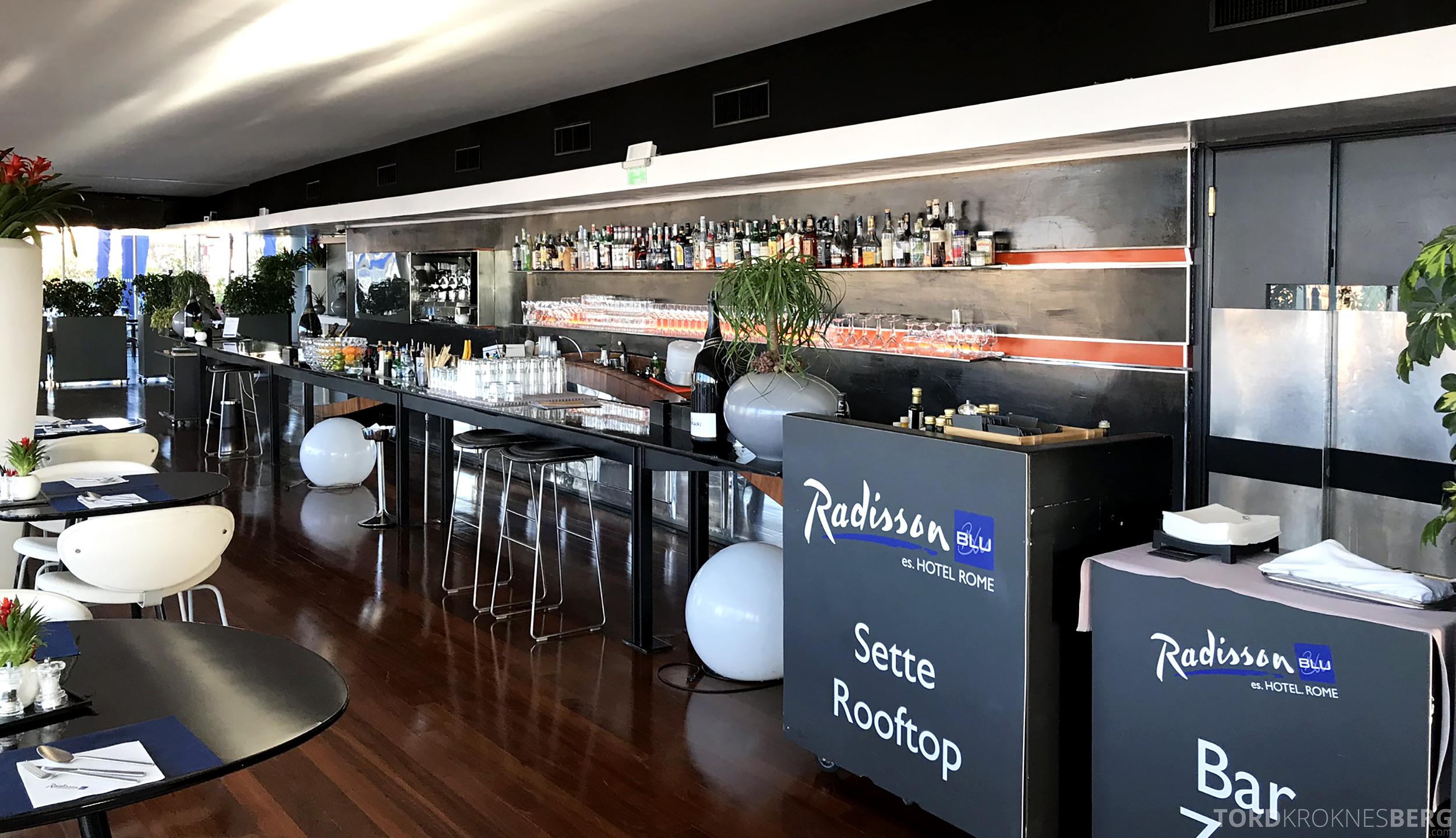 Radisson Blu Rome Hotel bar