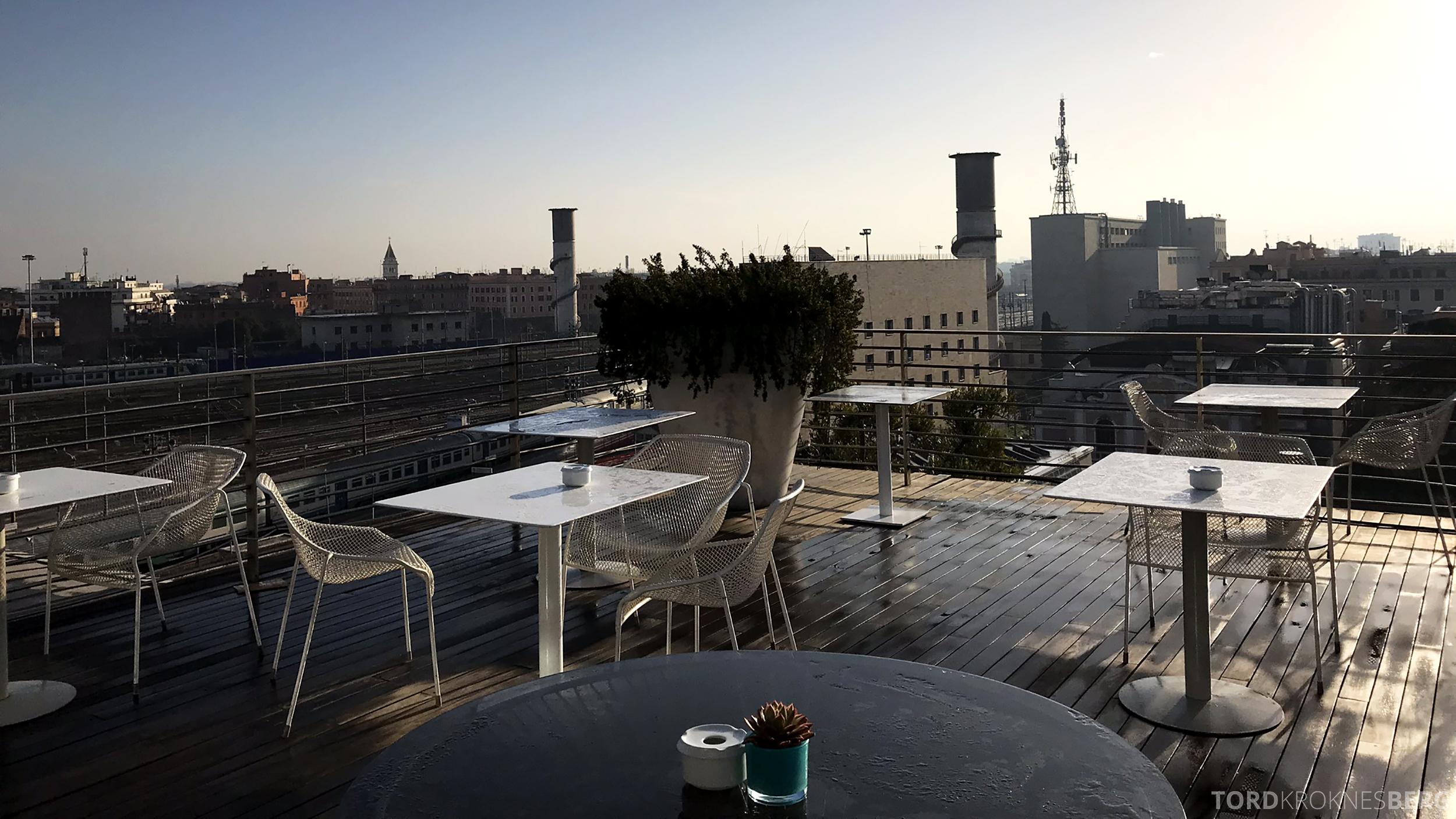 Radisson Blu Rome Hotel frokost utendørs terrasse