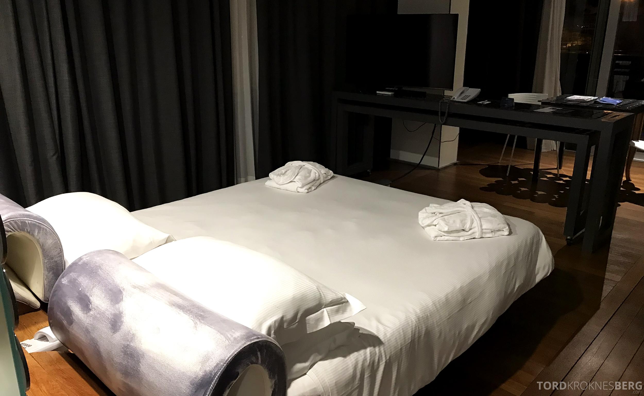Radisson Blu Rome Hotel badekåpe seng