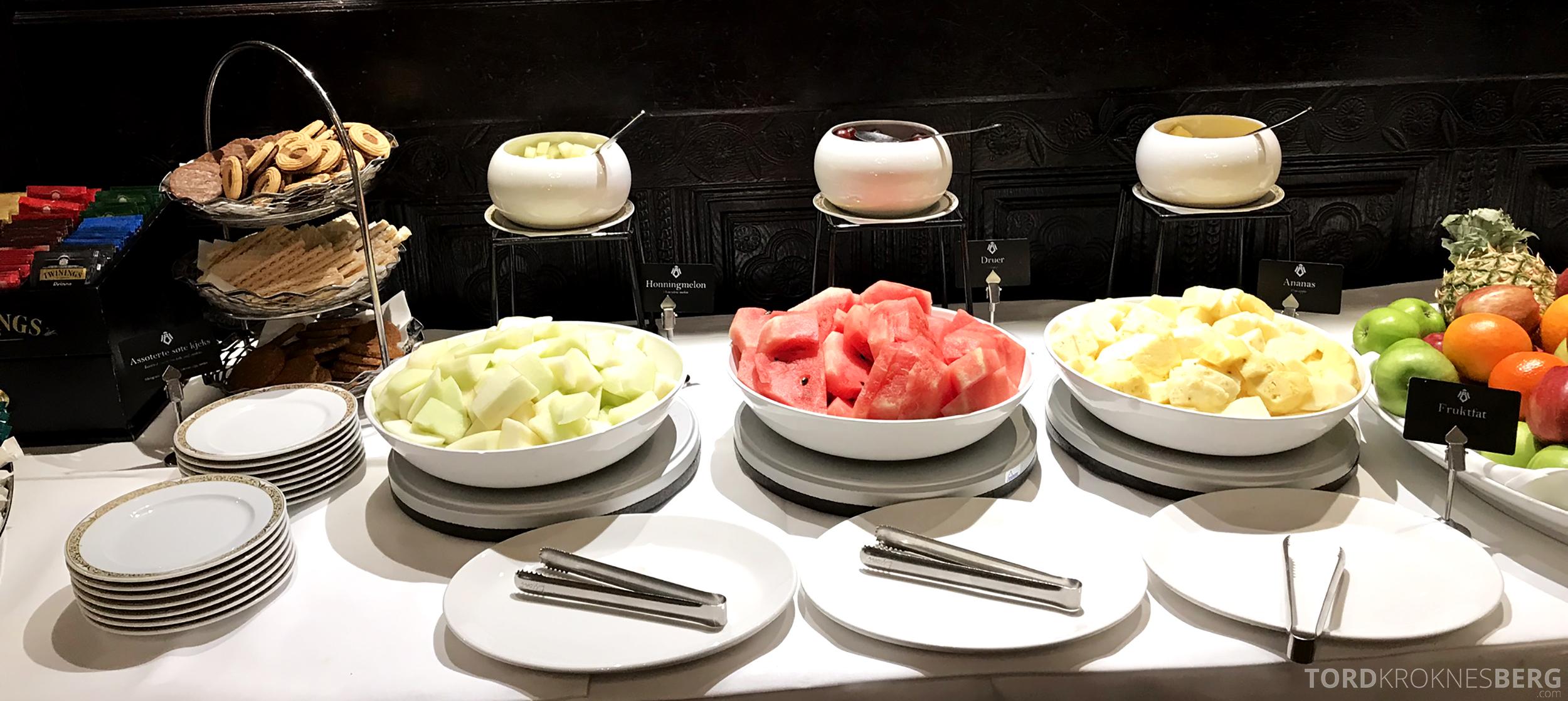 Thon Hotel Bristol Oslo frokost frukt