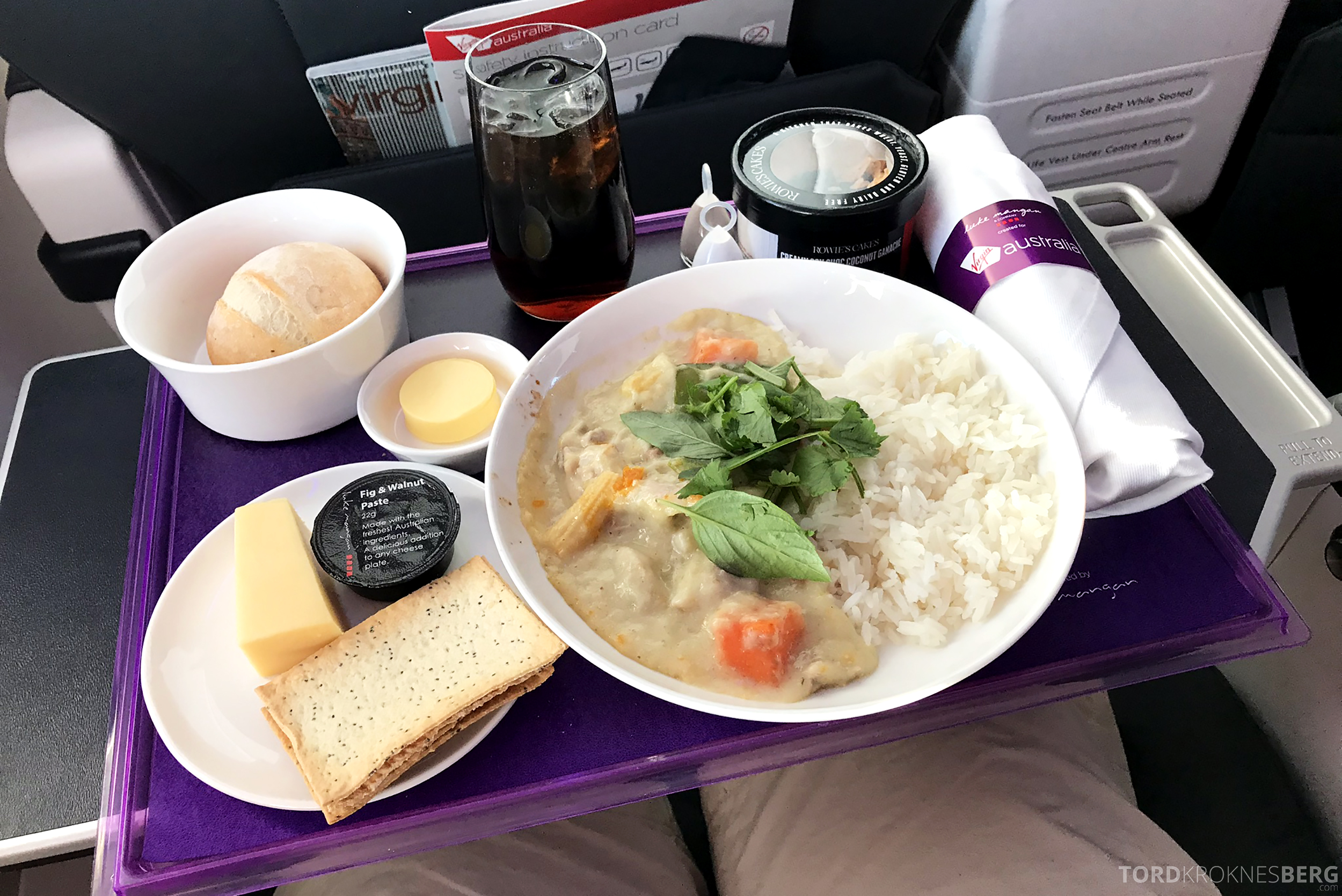 Virgin Australia Business Class Sydney Brisbane varmmat