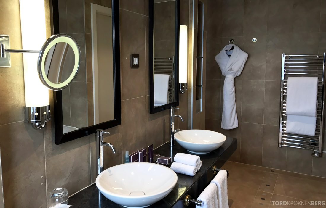 Ritz-Carlton Hotel de la Paix Genève bad