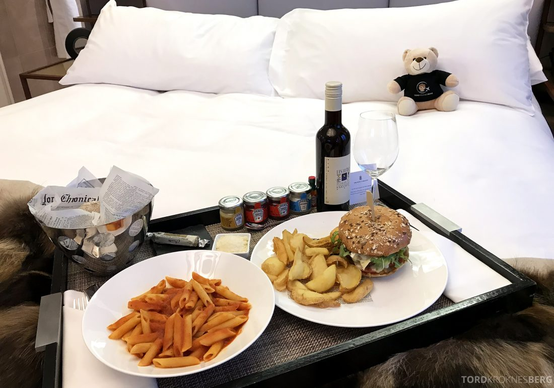 Ritz-Carlton Hotel de la Paix Genève room service