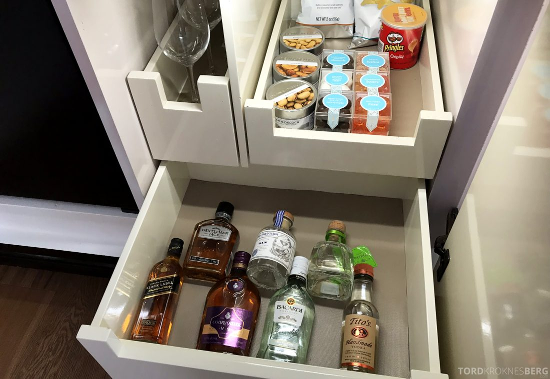 Hotel Bel-Air Los Angeles minibar