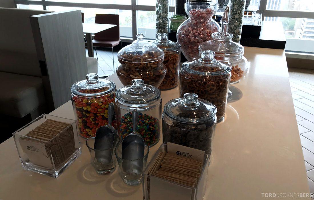 Marriott Hotel LAX Los Angeles Club Lounge snacks