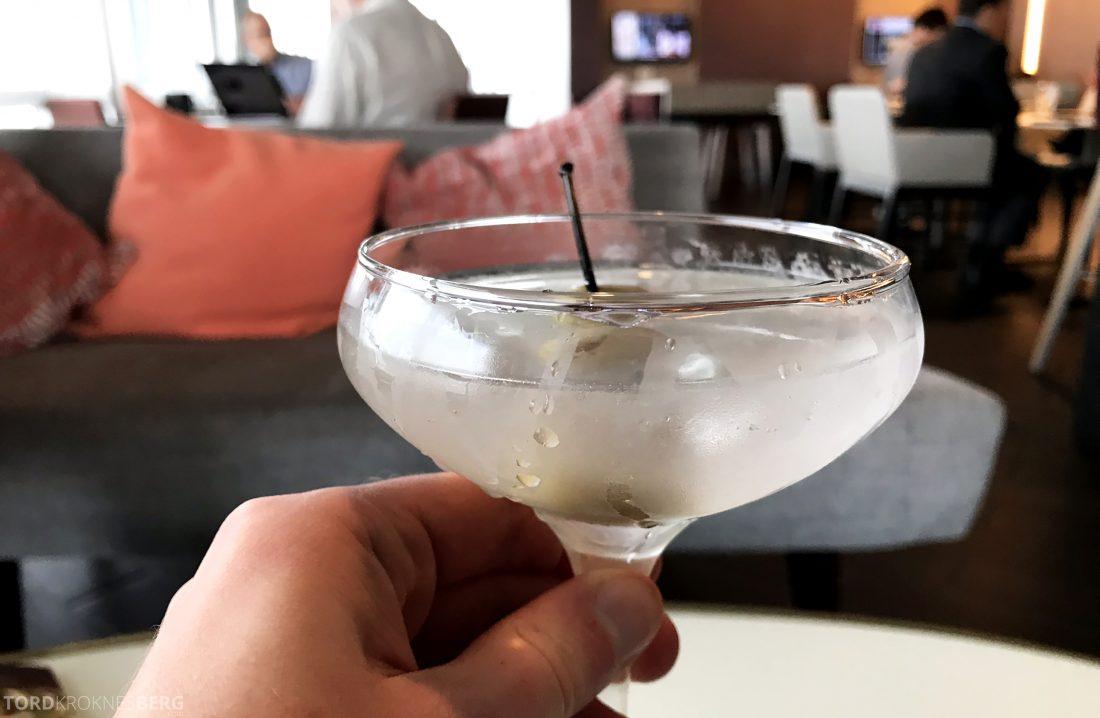 Marriott Hotel LAX Los Angeles Club Lounge martini