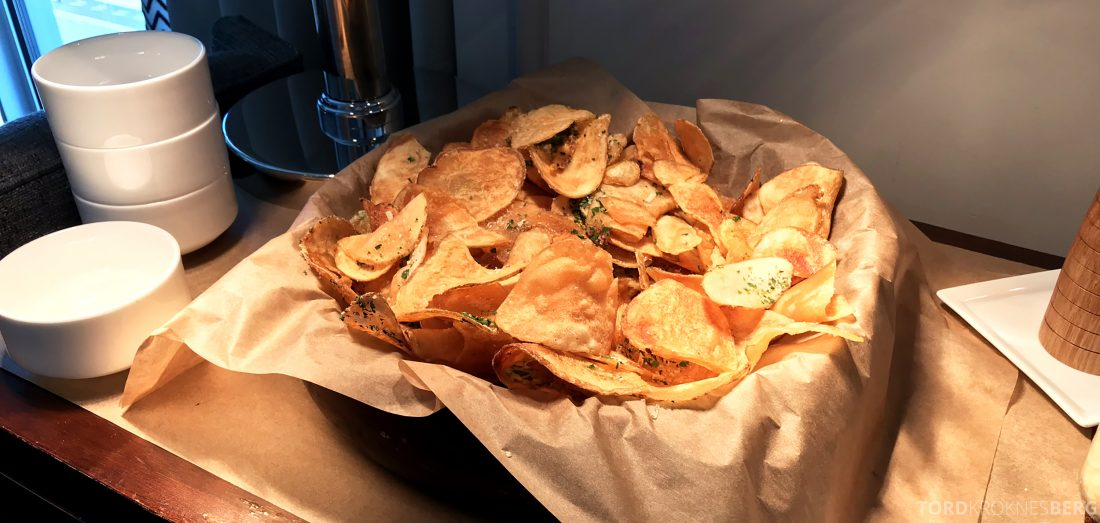 Ritz-Carlton Marina del Rey Los Angeles Hotel Club Lounge chips