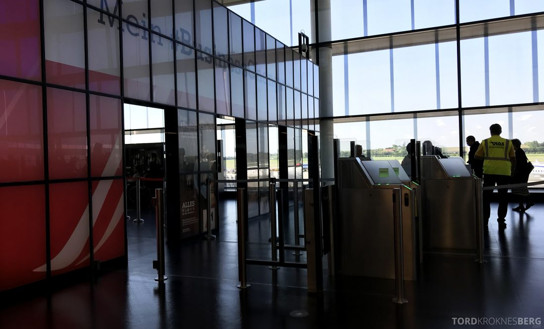 Austrian Economy Class Vienna Oslo sikkerhetskontroll