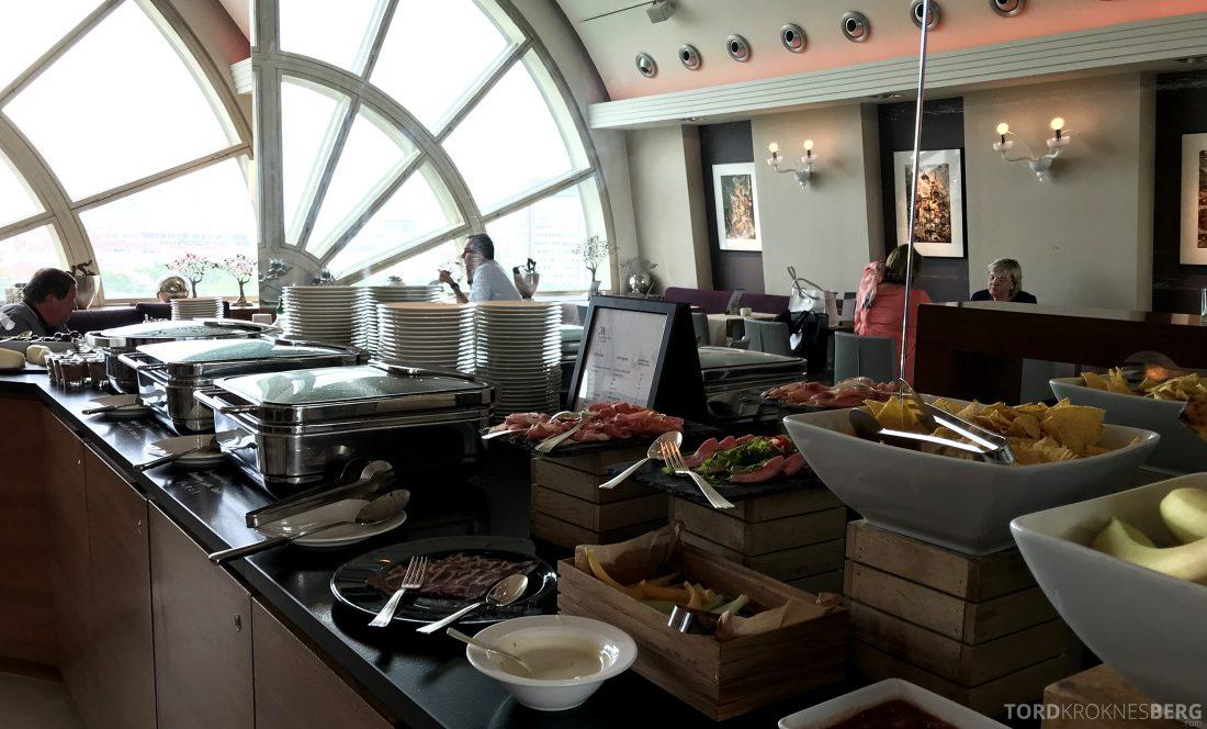Marriott Vienna Hotel M Club Lounge hors d'oeuvre oversikt