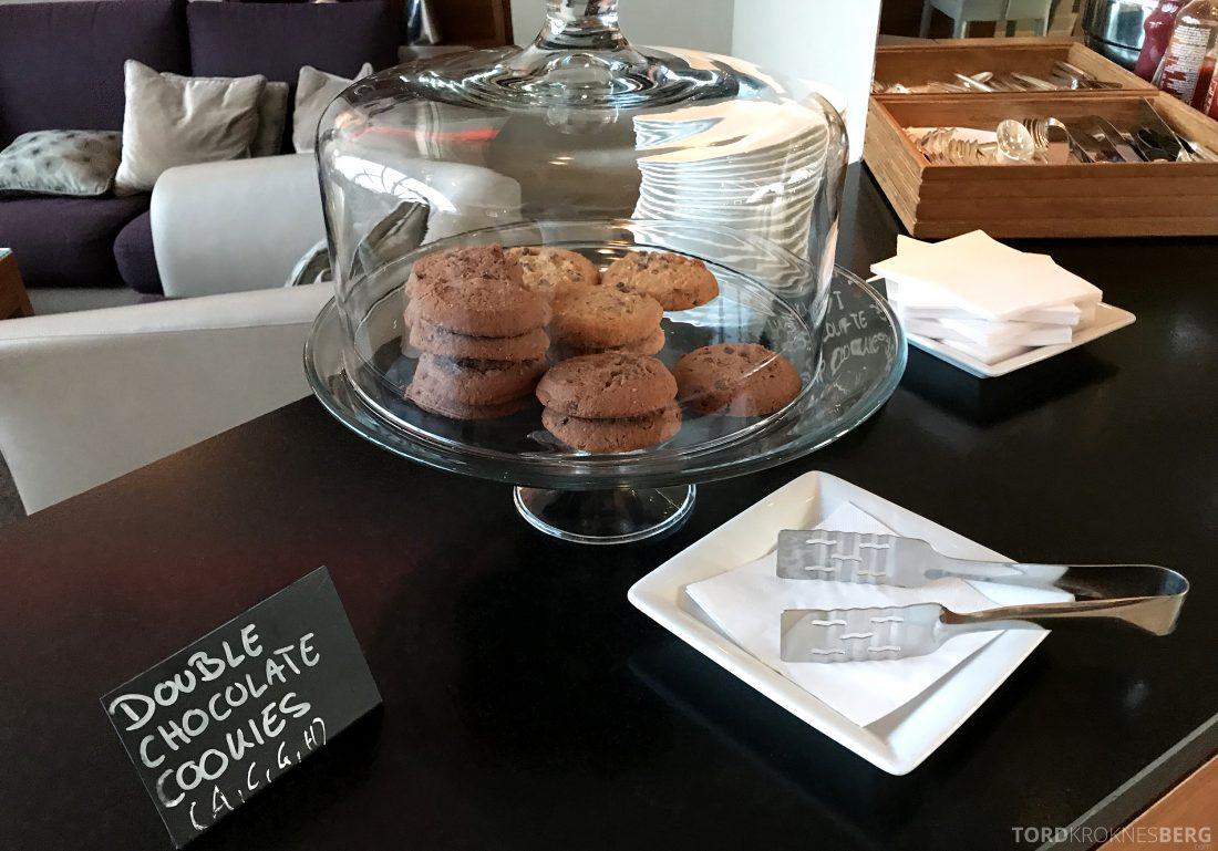 Marriott Vienna Hotel M Club Lounge hors d'oeuvre cookies