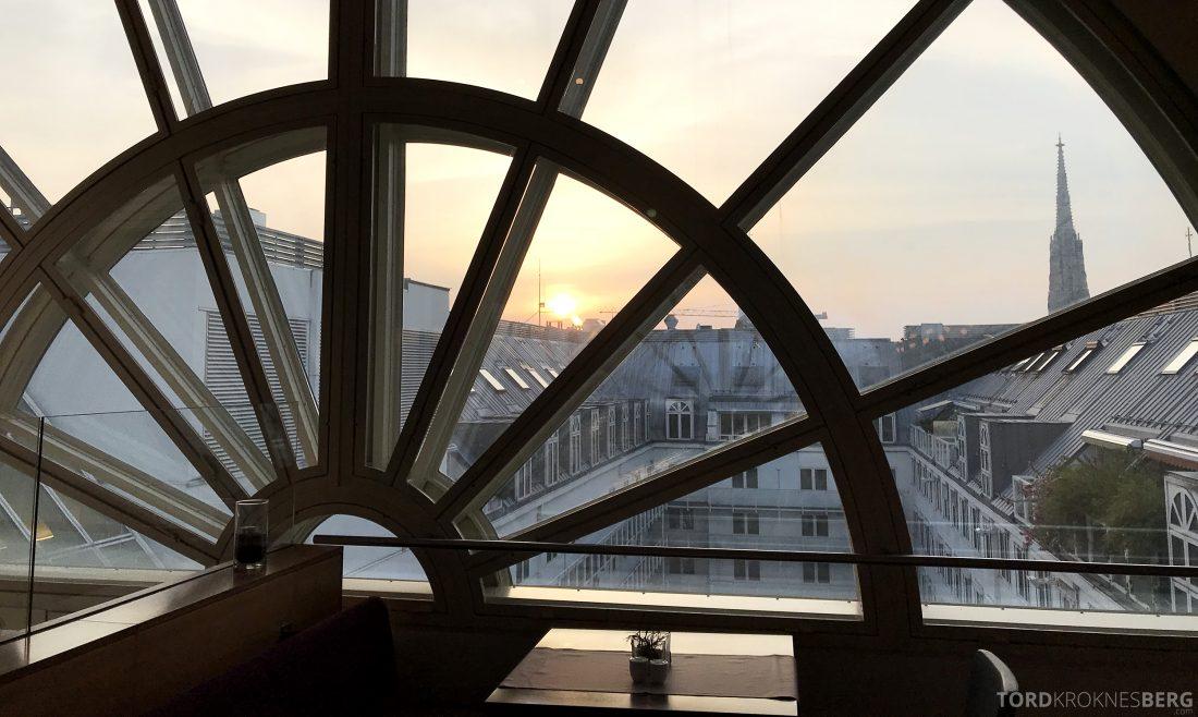 Marriott Vienna Hotel M Club Lounge solnedgang