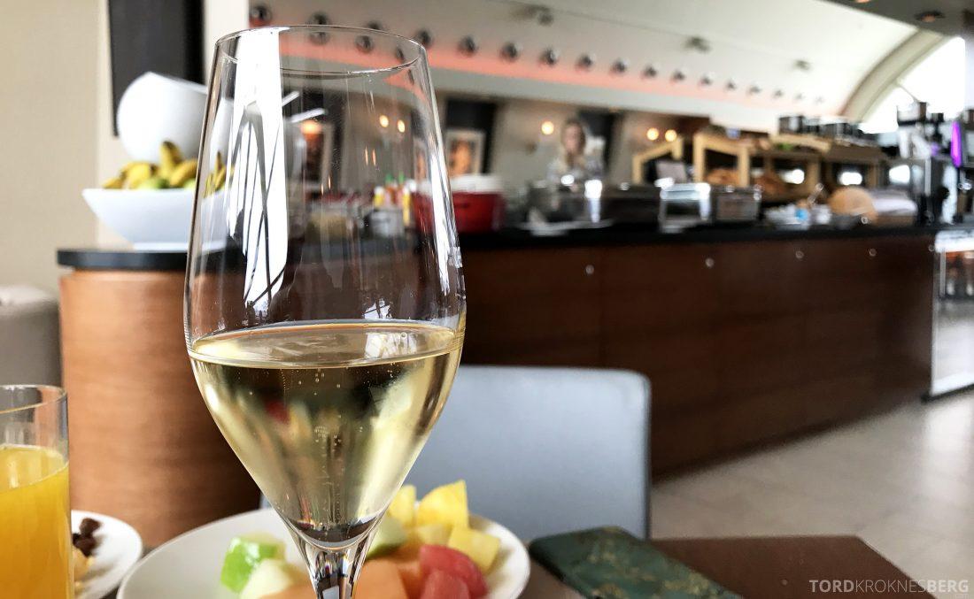 Marriott Vienna Hotel M Club Lounge frokost champagne