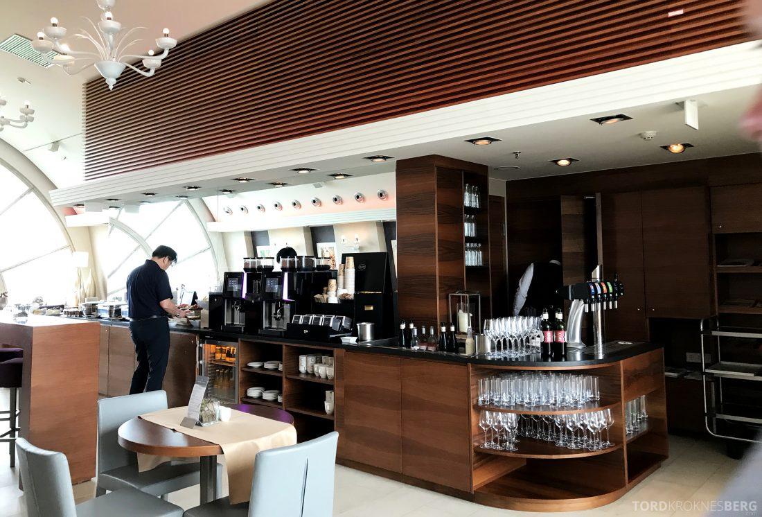 Marriott Vienna Hotel M Club Lounge buffetområde