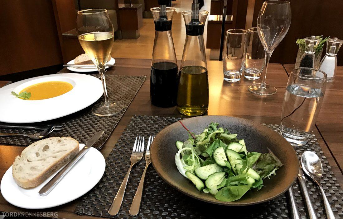 British Airways Concorde Room London salat og suppe