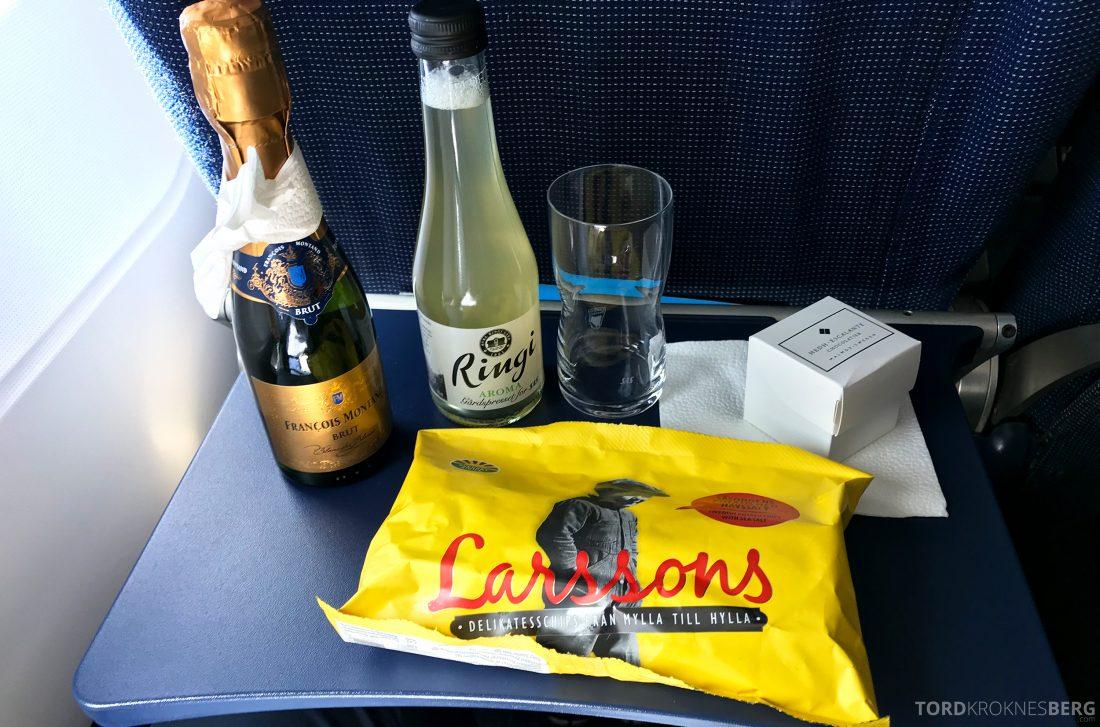 SAS Plus Oslo Praha snacks og drikke