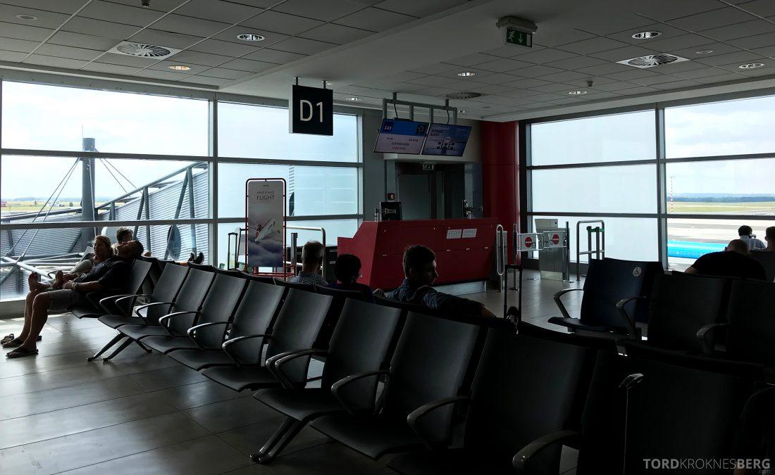 SAS Plus Oslo Praha gate