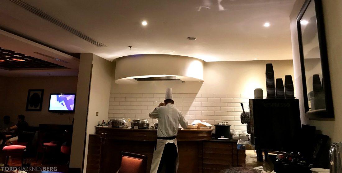 Marriott Doha Hotel Executive Lounge kokk