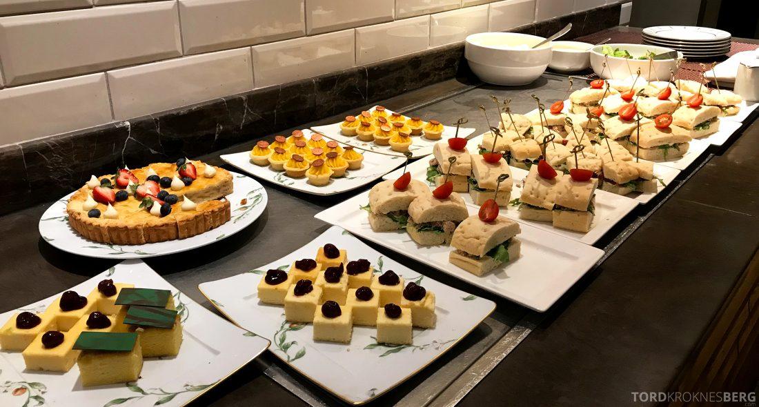Marriott Doha Hotel Executive Lounge kaker