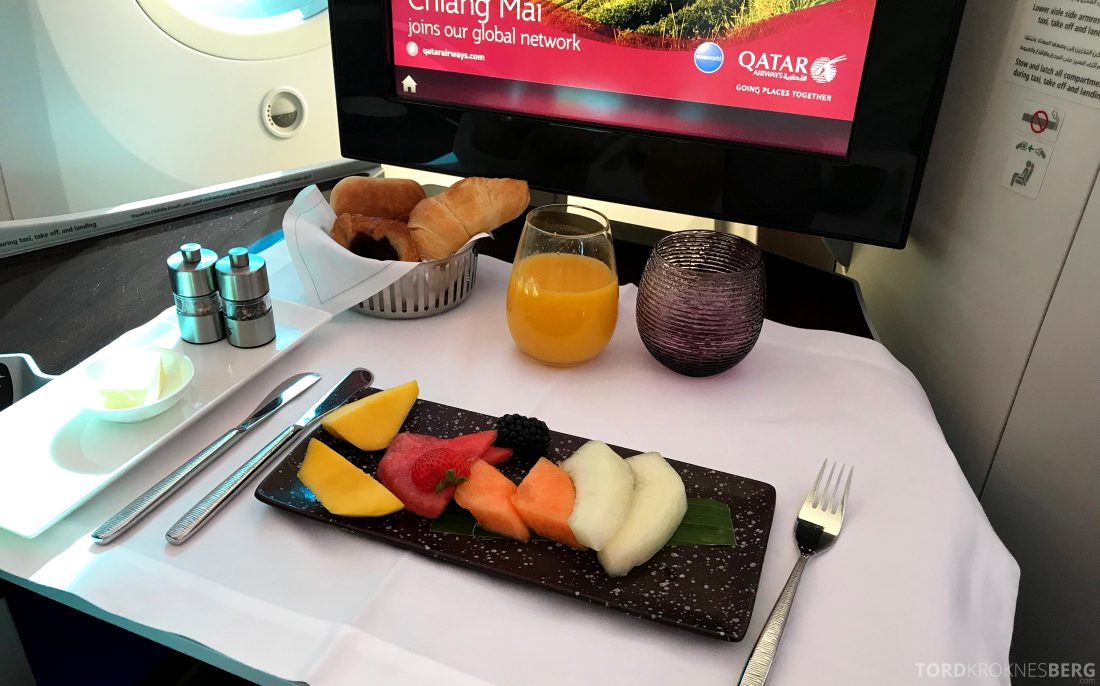 Qatar Airways Business Class Oslo Doha forrett frukt