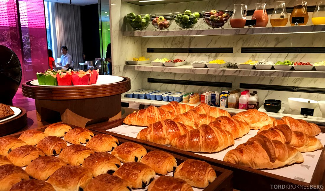 JW Marriott Hotel South Beach Singapore Executive Lounge frokost brød