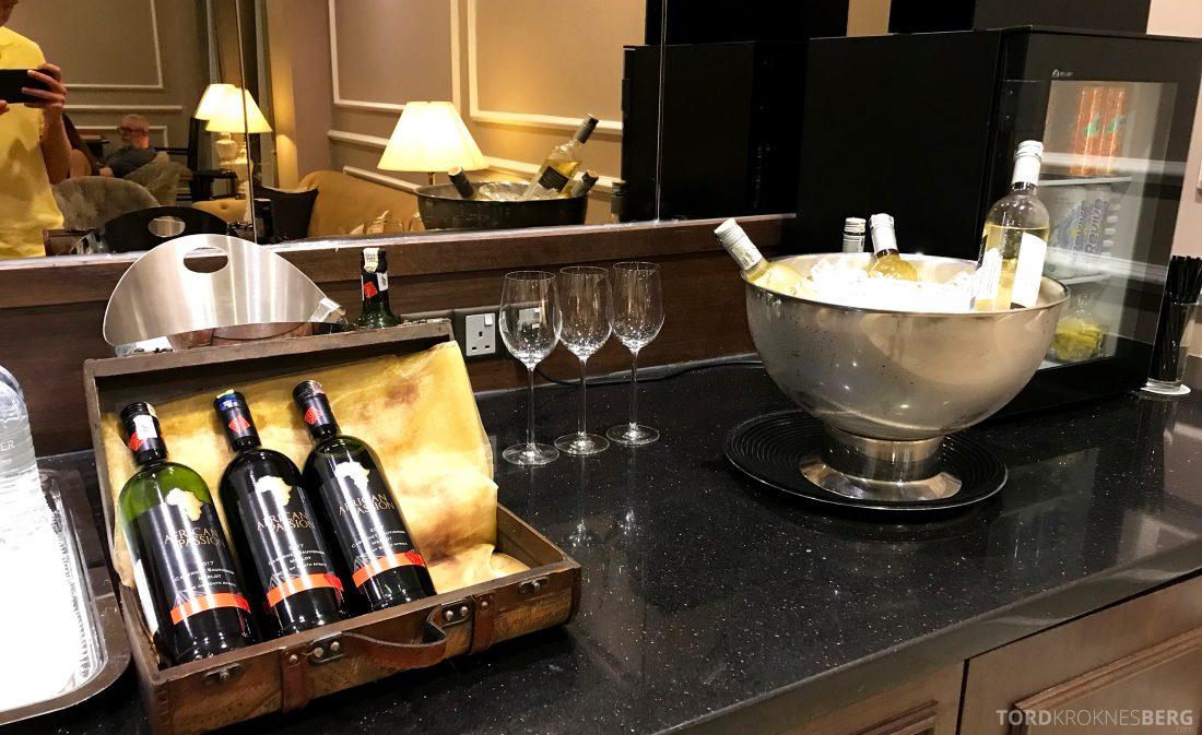 Hotel Majestic Autograph Collection Kuala Lumpur vin lounge