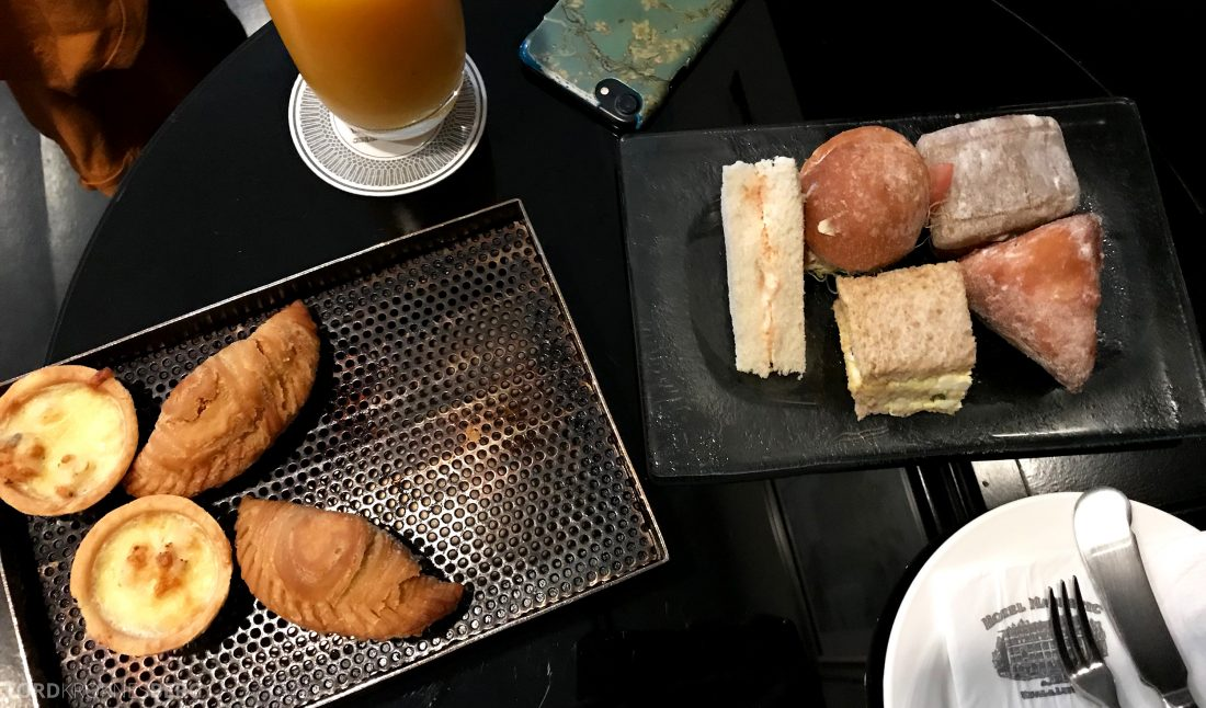 Hotel Majestic Autograph Collection Kuala Lumpur hors d'oeuvre servering