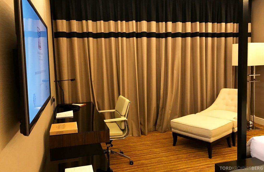 Hotel Majestic Autograph Collection Kuala Lumpur divan