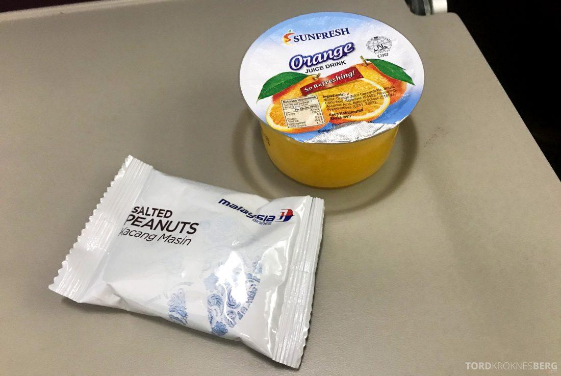 Malaysia Airlines Economy Class Singapore Kuala Lumpur snacks