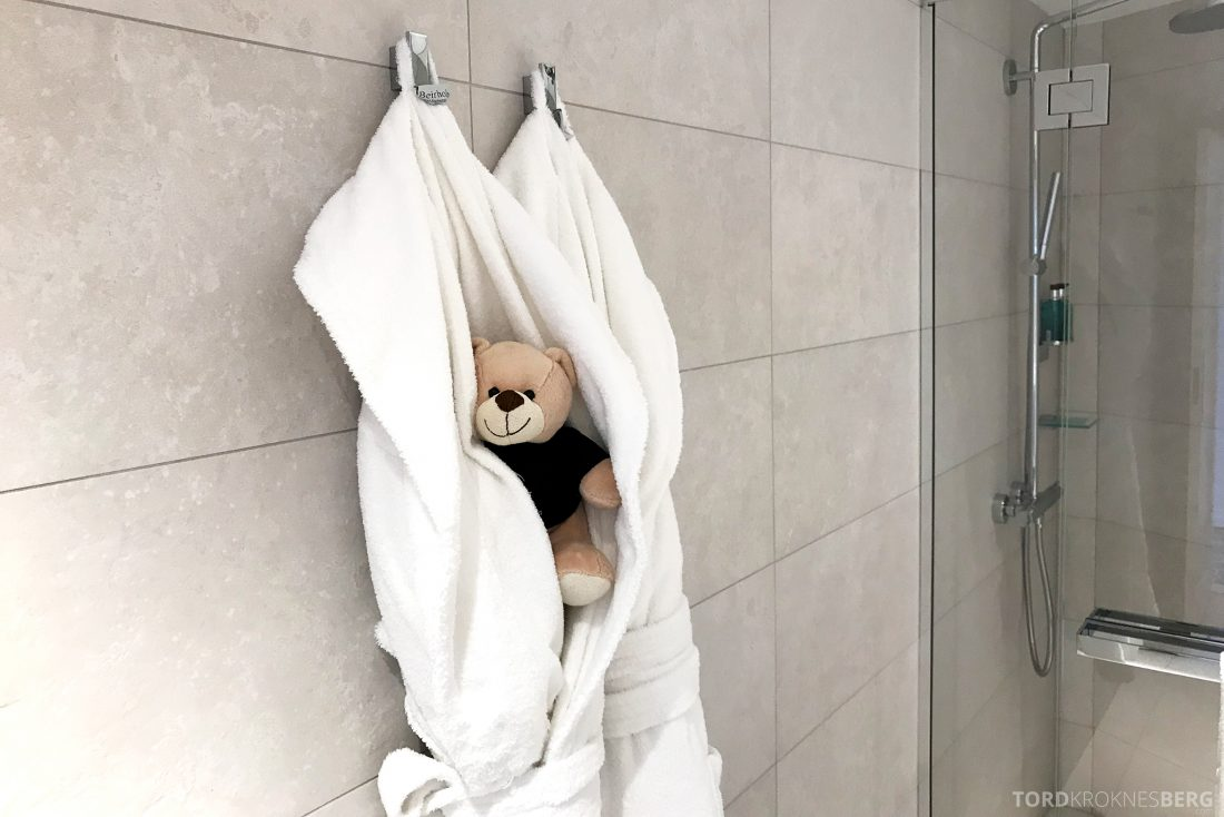 Hotel Continental Oslo reisefølget badekåpe