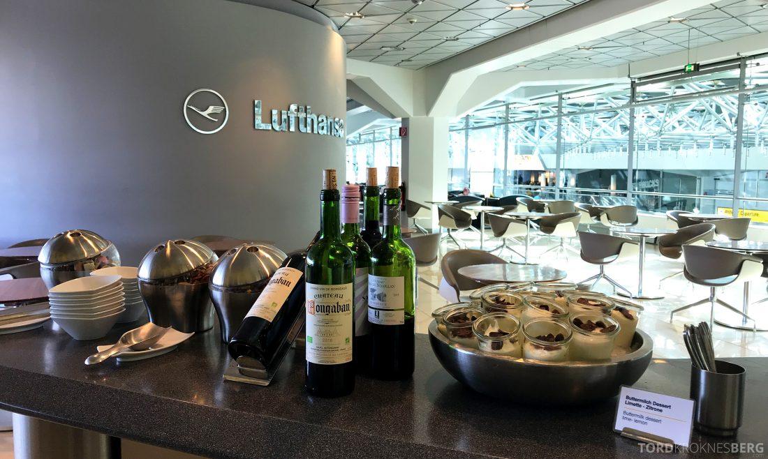 Lufthansa Senator Lounge Berlin dessert