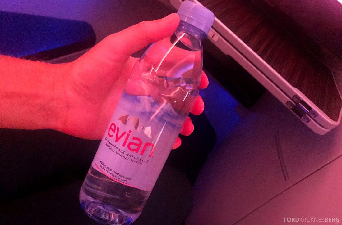 Qatar Airways Business Class Oslo Doha Penang vannflaske