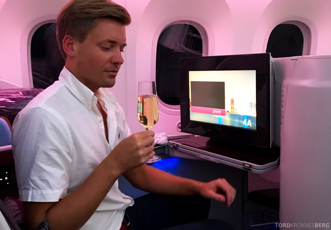 Qatar Airways Business Class Oslo Doha Penang Tord Kroknes Berg drink