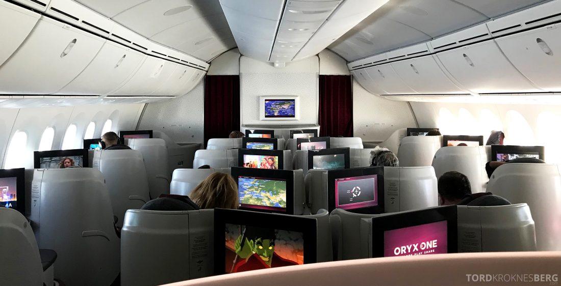 Qatar Airways Business Class Oslo Doha Penang kabin lys