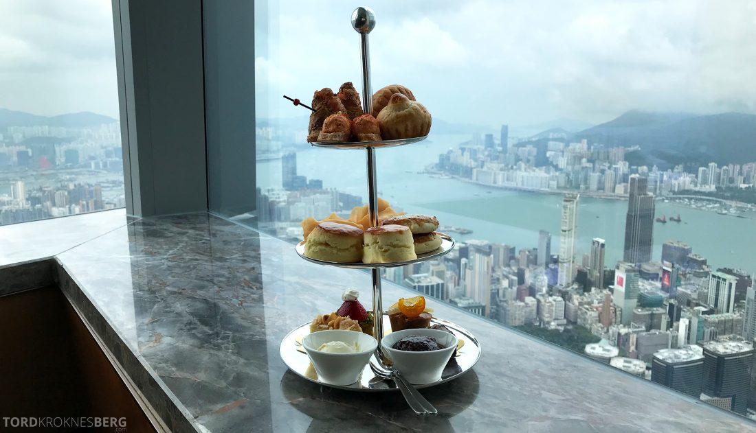 Ritz-Carlton Hong Kong Club Lounge afternoon tea utsikt