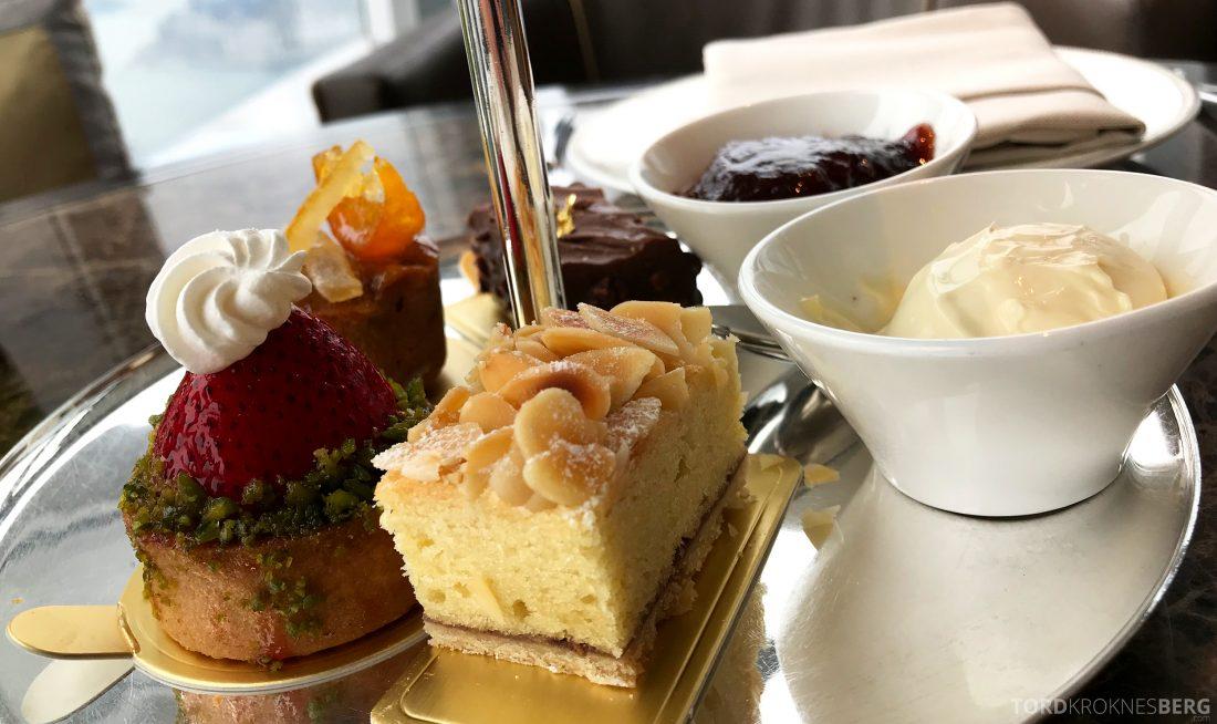 Ritz-Carlton Hong Kong Club Lounge afternoon tea kaker