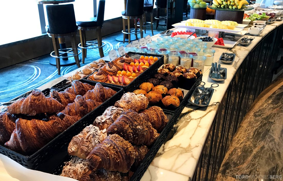 Ritz-Carlton Hong Kong Club Lounge frokost brød