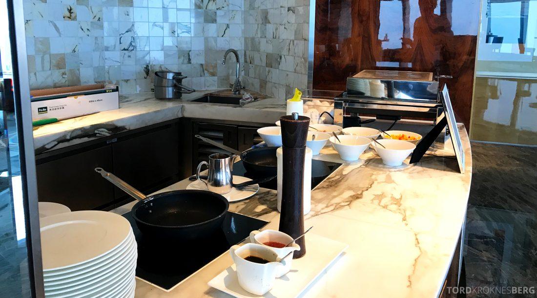 Ritz-Carlton Hong Kong Club Lounge omelettstasjon