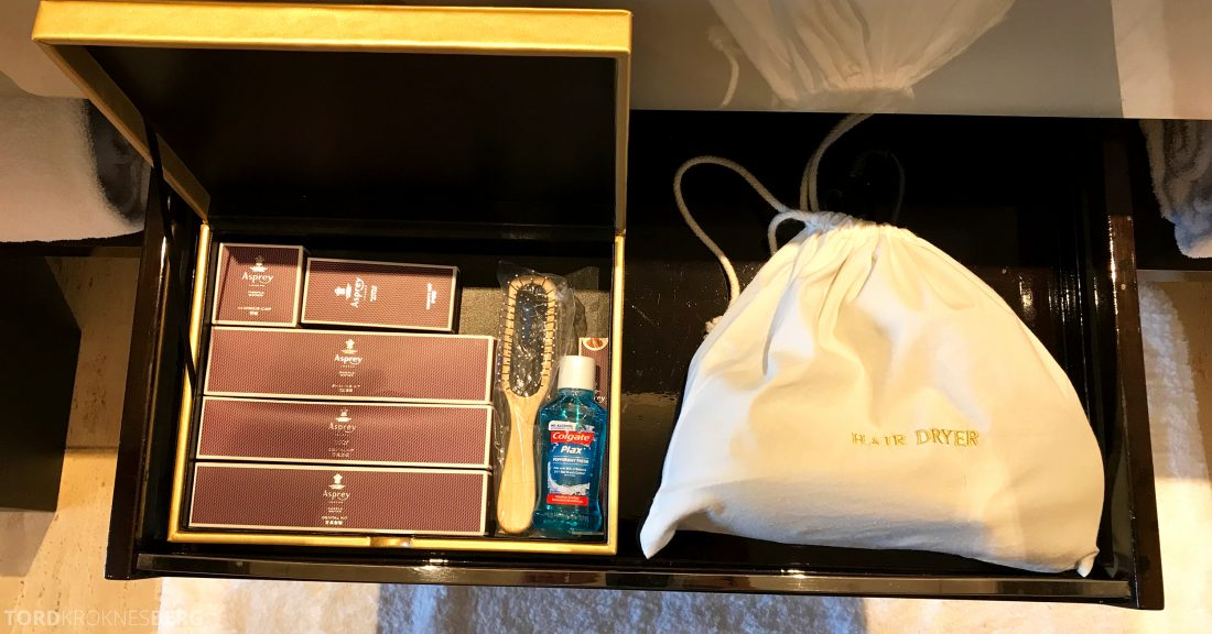 Ritz-Carlton Hong Kong Hotel amenities