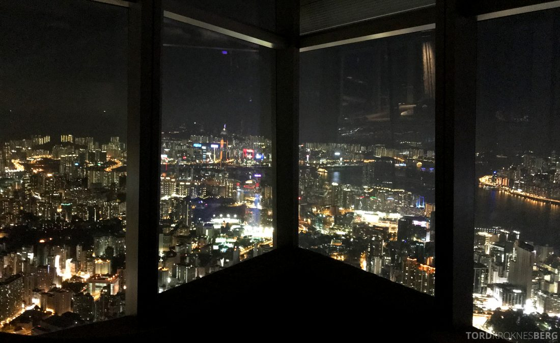 Ritz-Carlton Hong Kong Hotel utsikt kveld