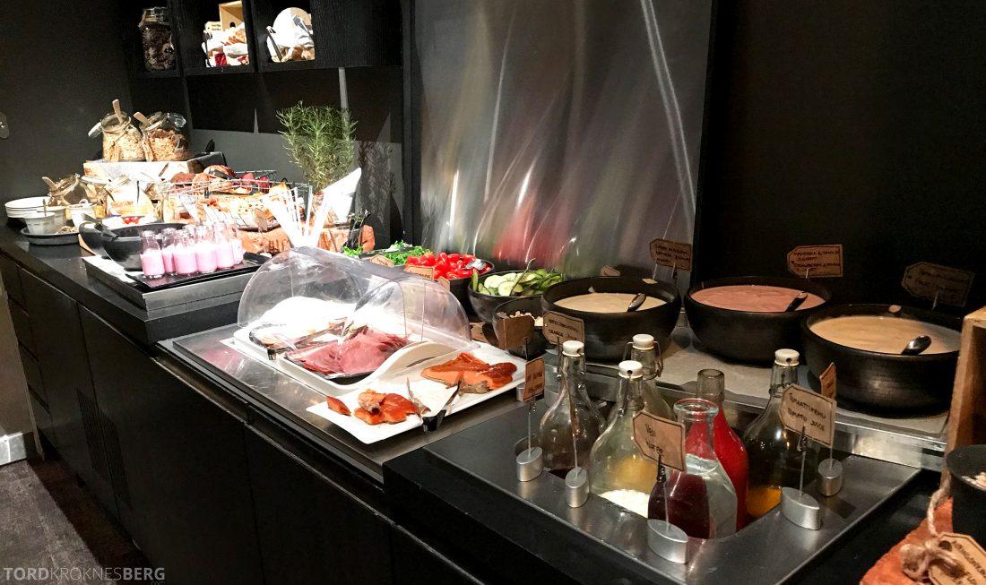 Radisson Blu Plaza Hotel Lounge Helsinki frokostbuffet