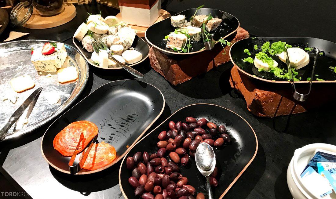 Radisson Blu Plaza Hotel Lounge Helsinki hors d'oeuvre oster