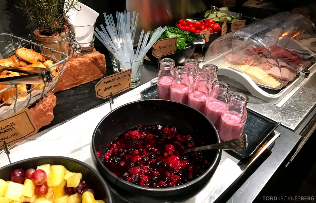 Radisson Blu Plaza Hotel Lounge Helsinki frokost bær